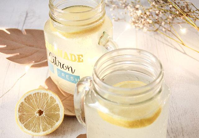 Pourquoi boire de l'eau citronnée le matin à jeun est bon