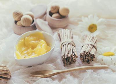 Pour nourrir les zones très sèches, le beurre de karité est tout indiqué