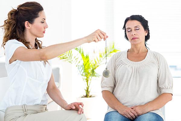 Qu'est-ce que l'hypnothérapie ? conseils et contre-indications